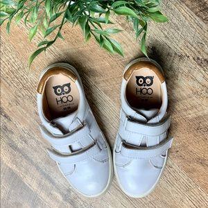 HOO Shoes Velcro Star Sneaker Size 12